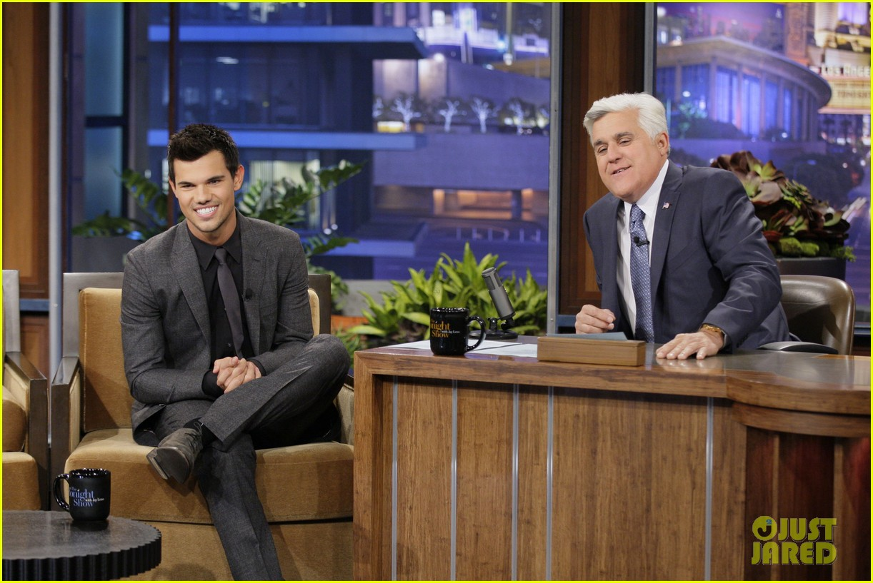 taylor lautner tonight show appearance 022749417