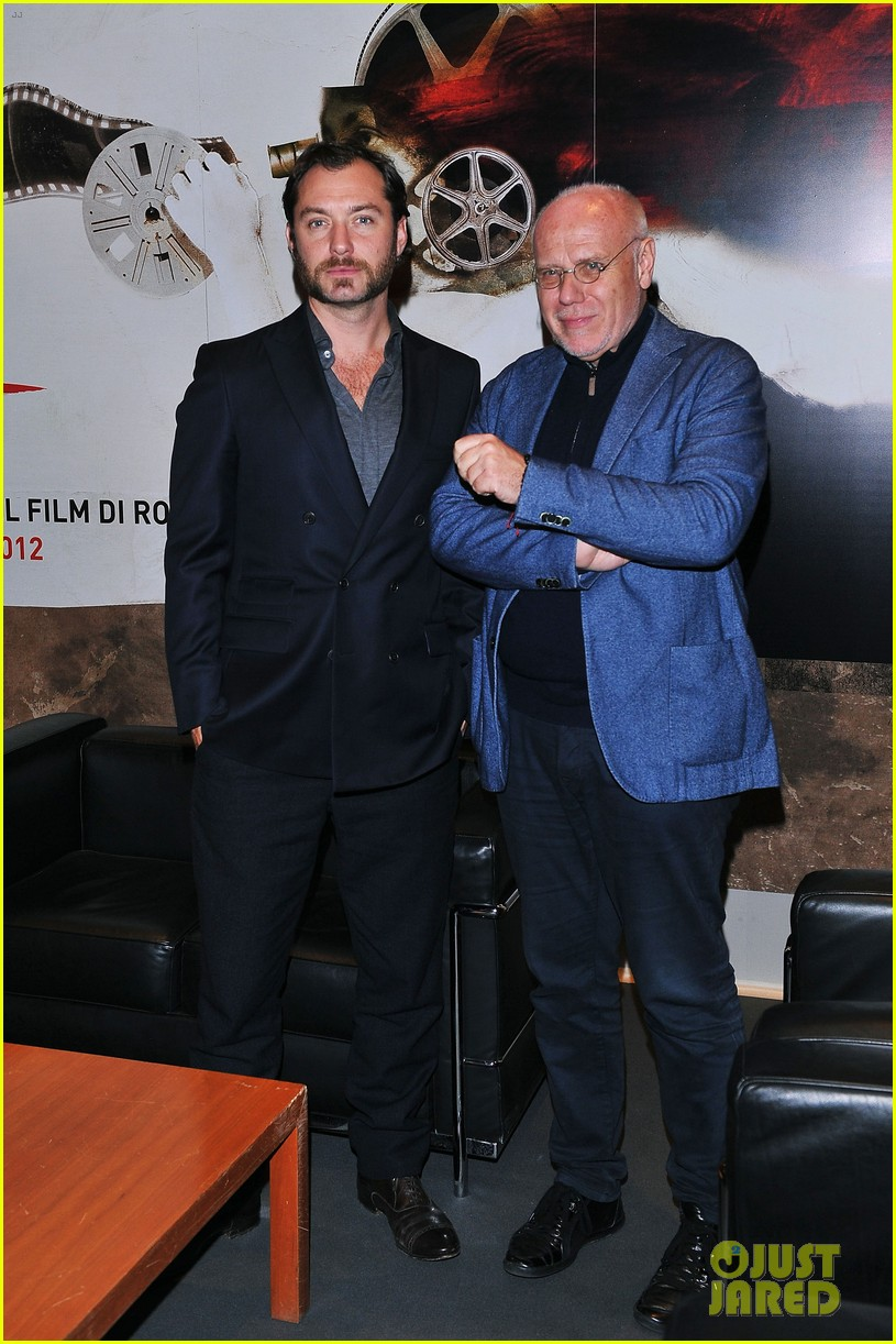 jude law meets the press at rome film festival 062755052