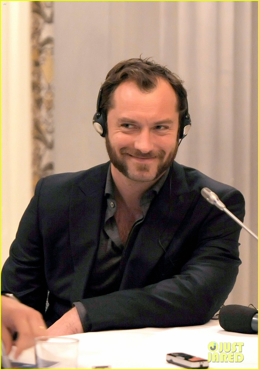 jude law meets the press at rome film festival 122755058