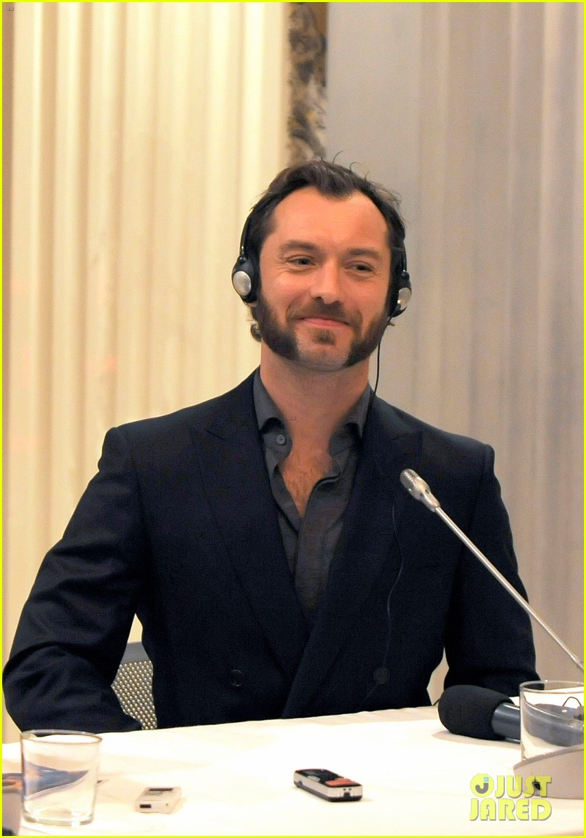jude law meets the press at rome film festival 132755059