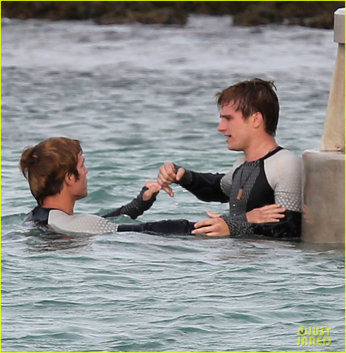 jennifer lawrence hunger games in hawaii 05