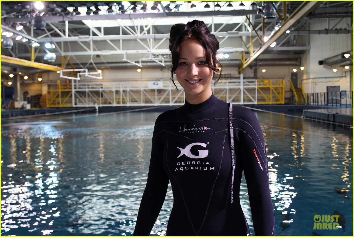 jennifer lawrence ocean voyager swimmer 022757208
