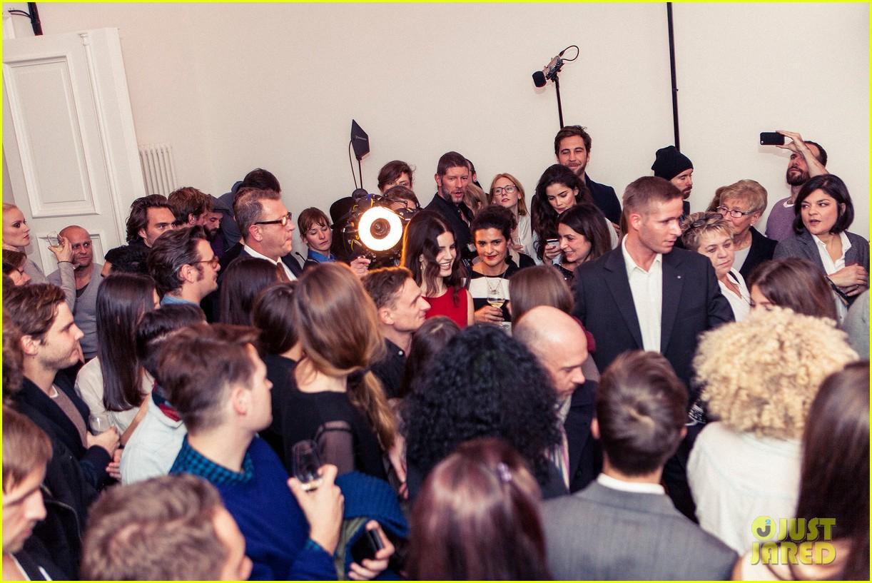 lana del rey hm berlin showroom concert 072761498