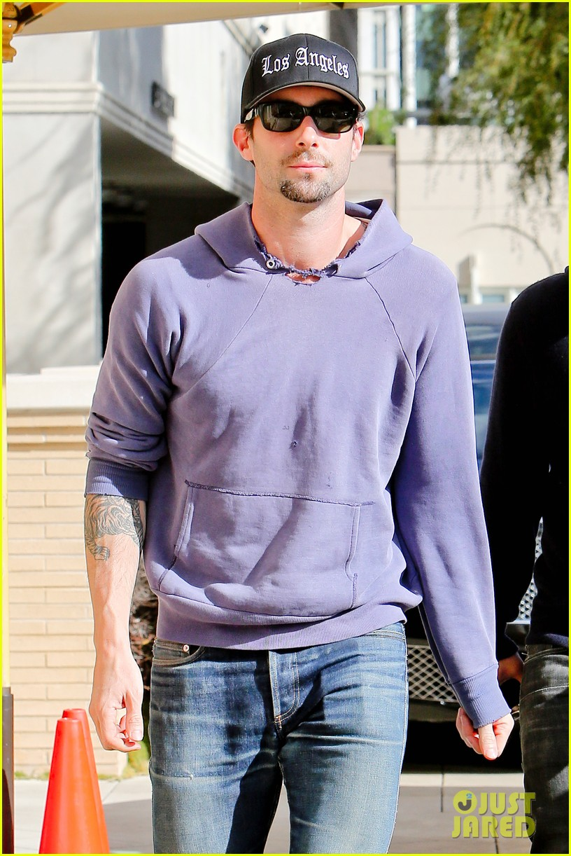 Adam Levine  Barneys New York Shopper!  Photo 2755173  8df6fdc25e1