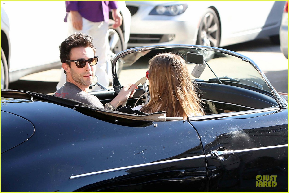 adam levine behati prinsloo text red cross to 90999 072751094