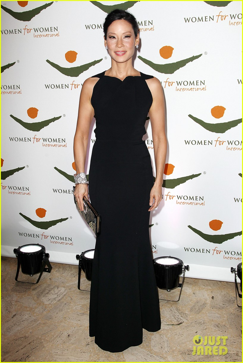 lucy liu women for women international award winner 082754142