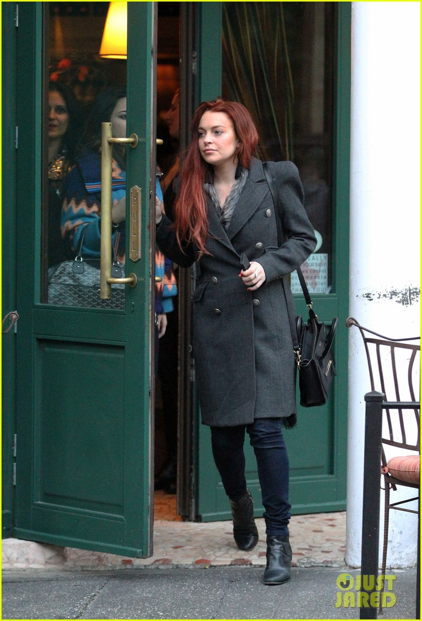 lindsay lohan sant ambroeus dinner with friends 042750836