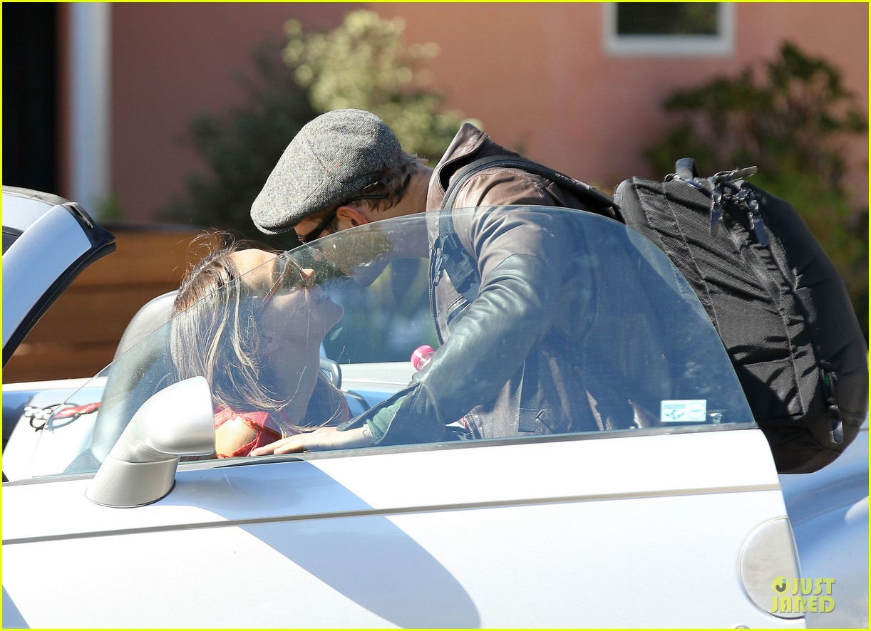 kellan lutz sharni vinson goodbye kissing couple 05