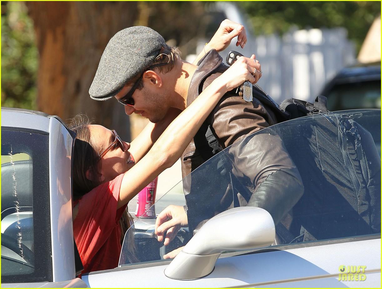 kellan lutz sharni vinson goodbye kissing couple 142757144