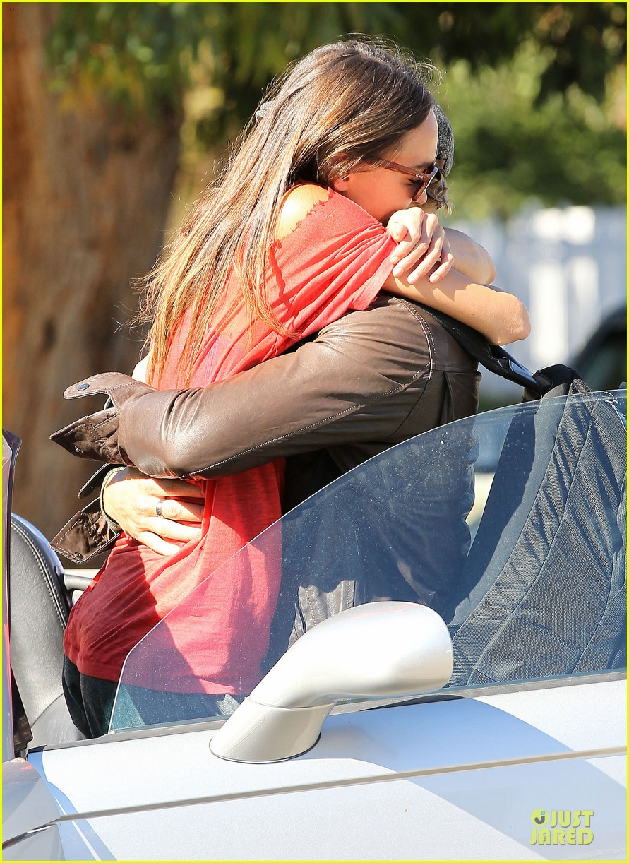 kellan lutz sharni vinson goodbye kissing couple 18