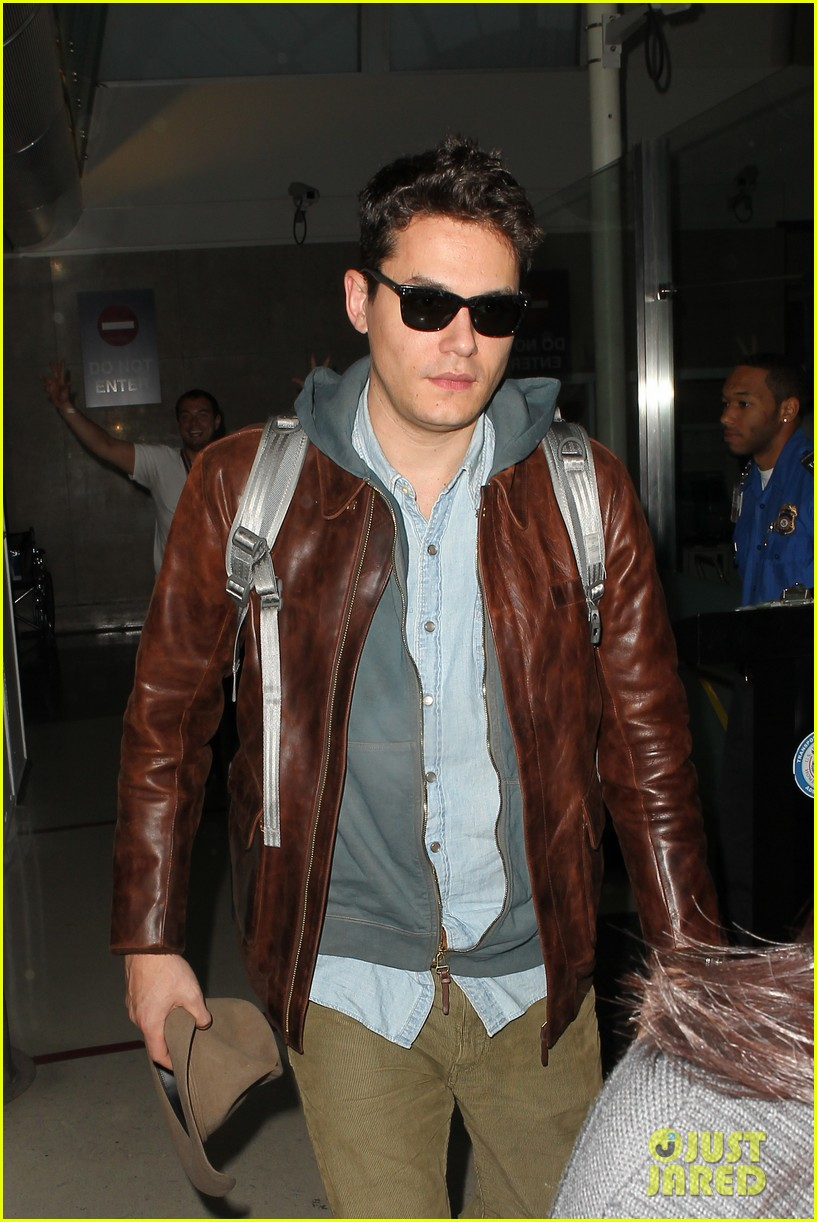 john mayer lands in los angeles 022755246
