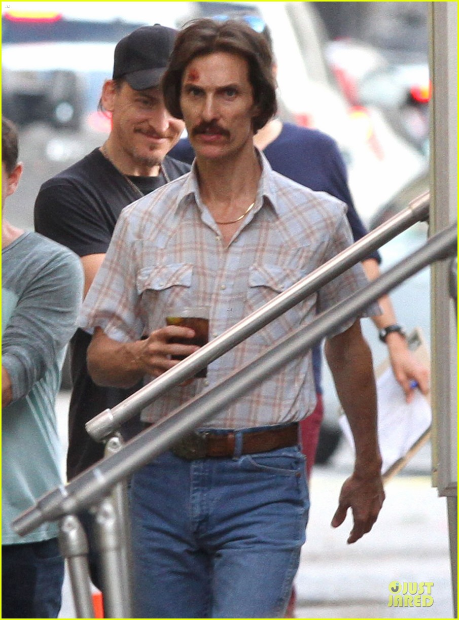matthew mcconaughey camila alves dallas buyers club set visit 042755643