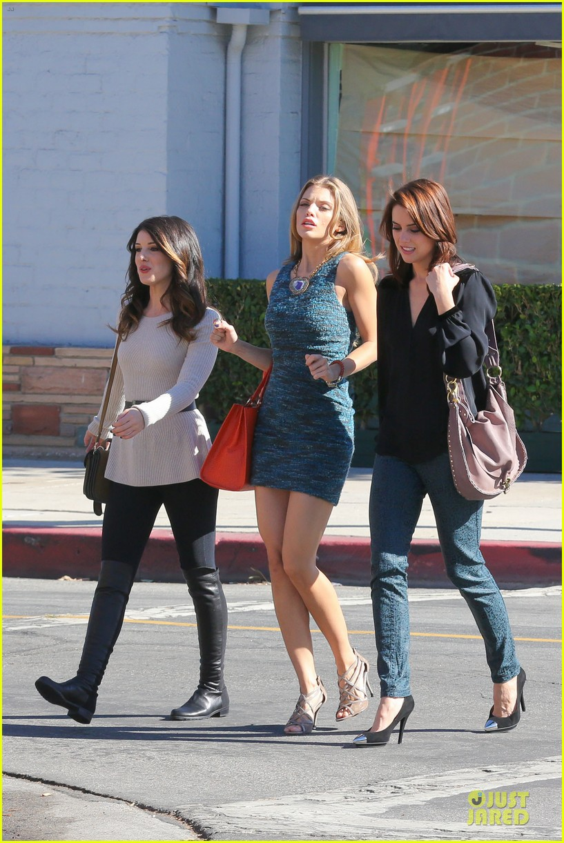 annalynne mccord 90210 set with shenae grimes & jessica stroup 012756801
