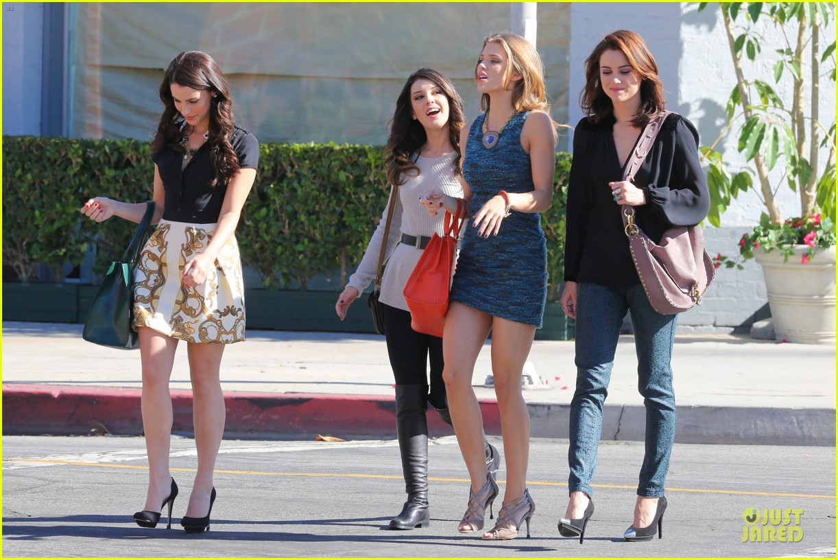 annalynne mccord 90210 set with shenae grimes & jessica stroup 092756809