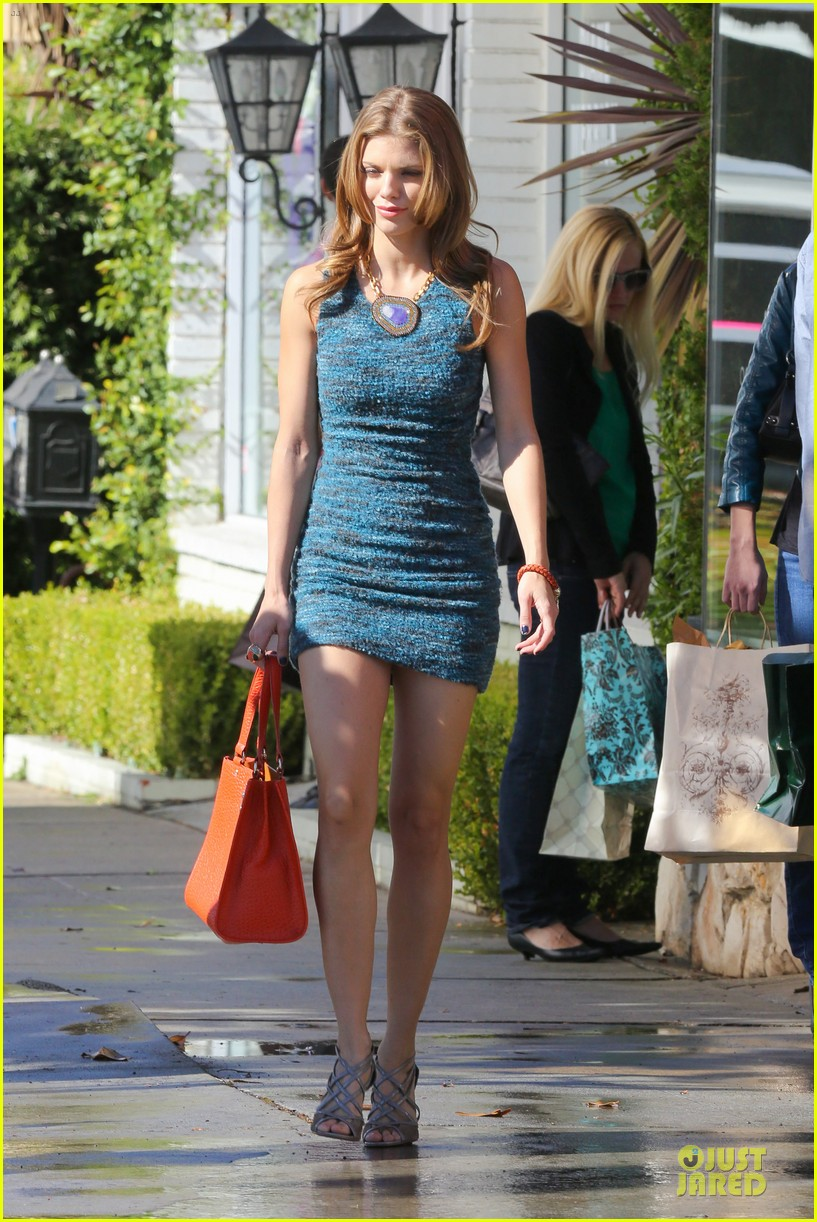 annalynne mccord 90210 set with shenae grimes & jessica stroup 102756810