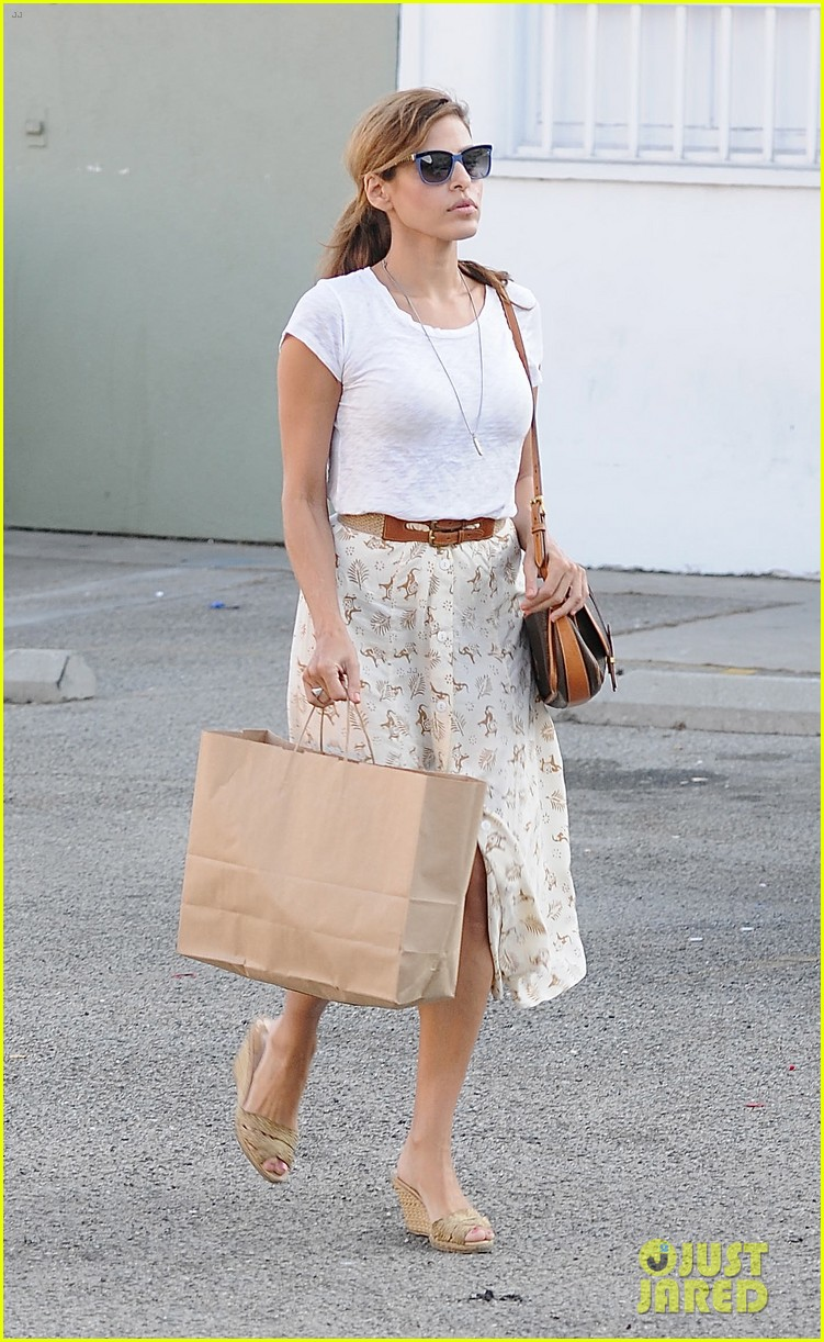 eva mendes weho shopper 01