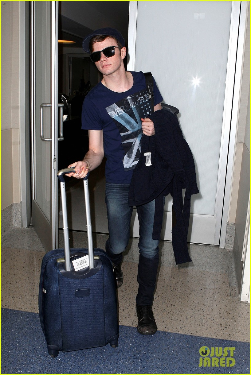 lea michele chris colfer jet to nyc for glee filming 052759757