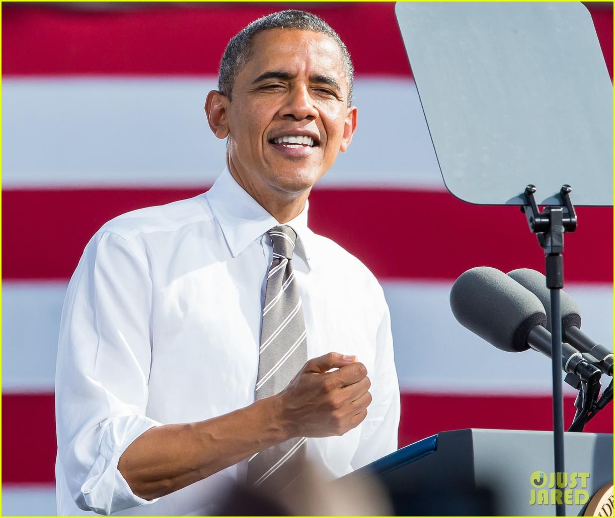eva longoria michelle obama campaign for barack obama 032750177