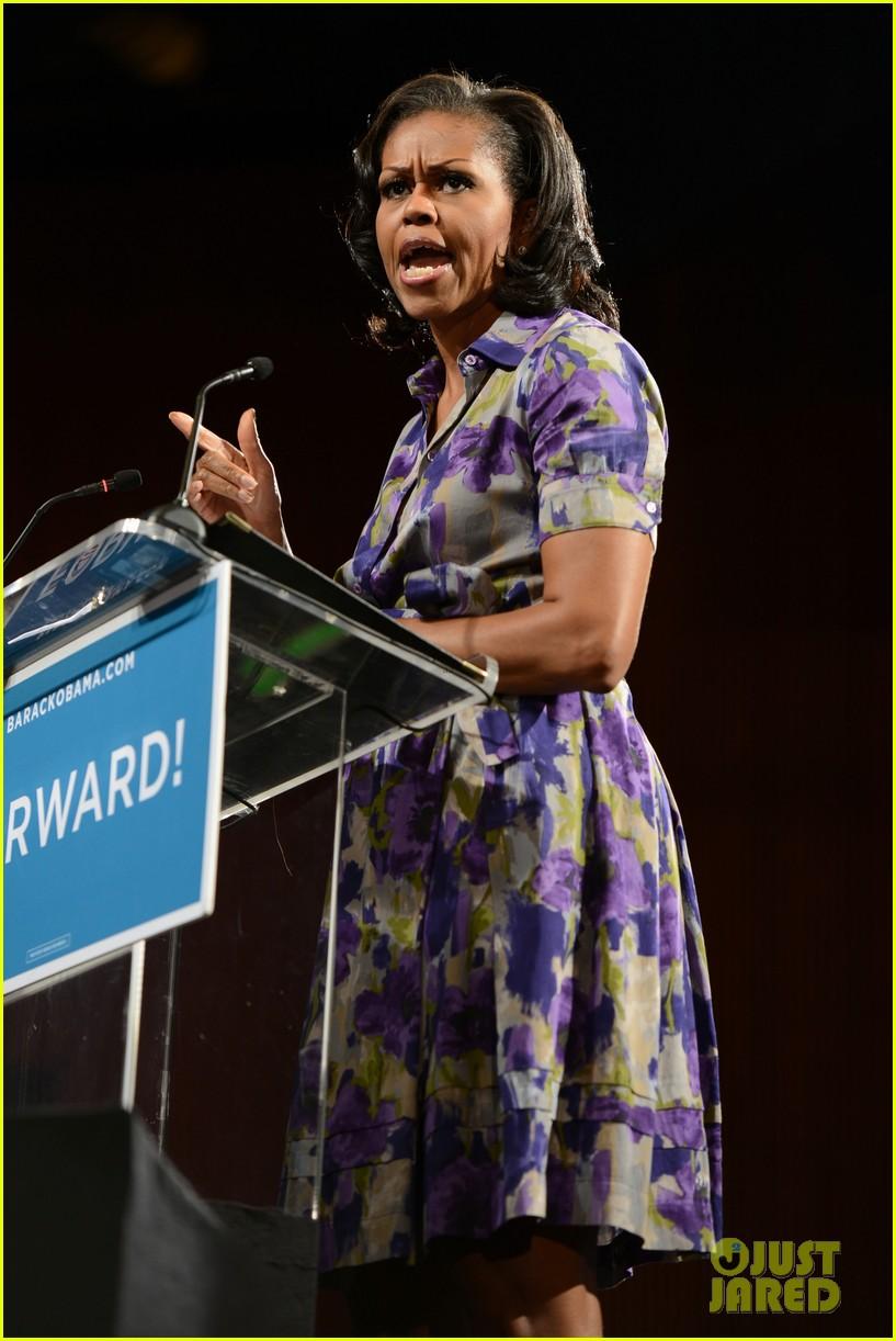 eva longoria michelle obama campaign for barack obama 112750185