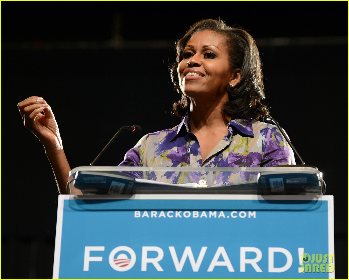 eva longoria michelle obama campaign for barack obama 132750187