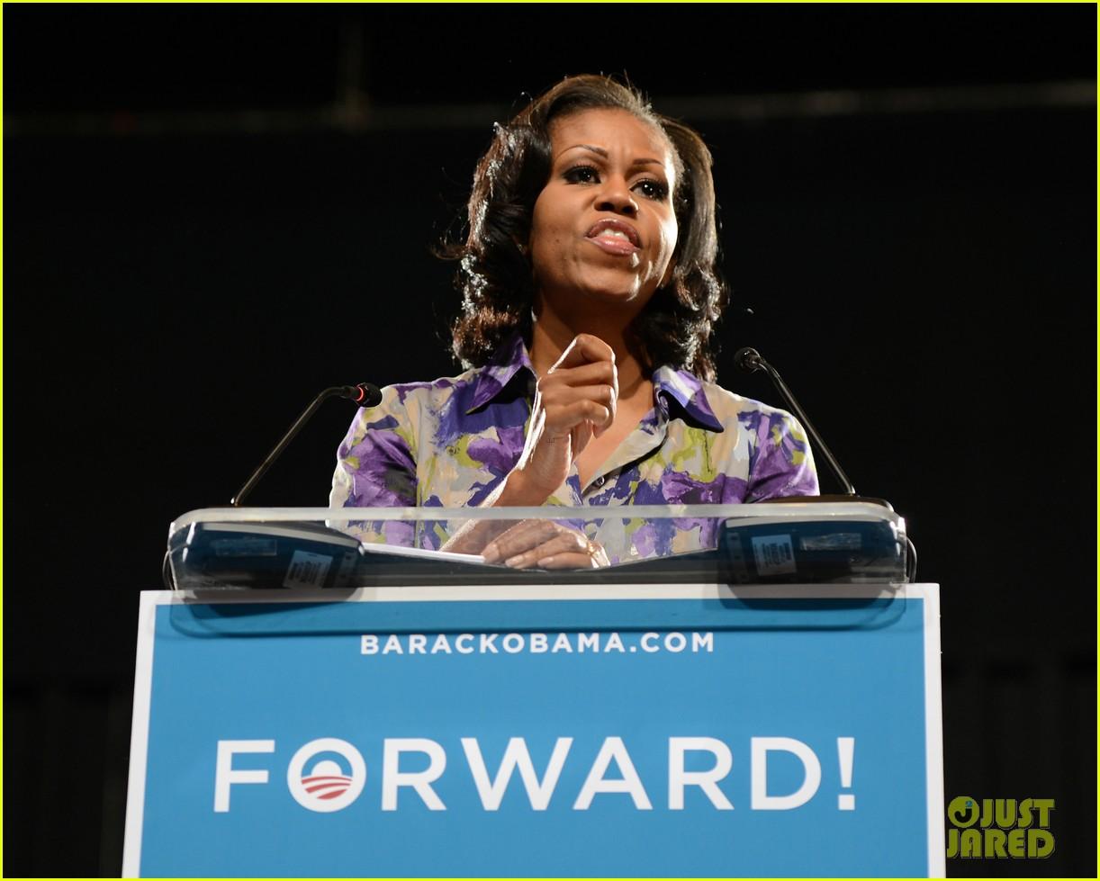 eva longoria michelle obama campaign for barack obama 152750189
