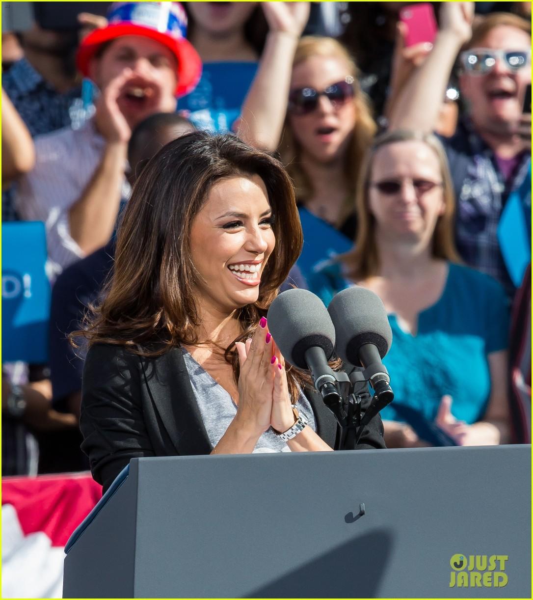 eva longoria michelle obama campaign for barack obama 202750194