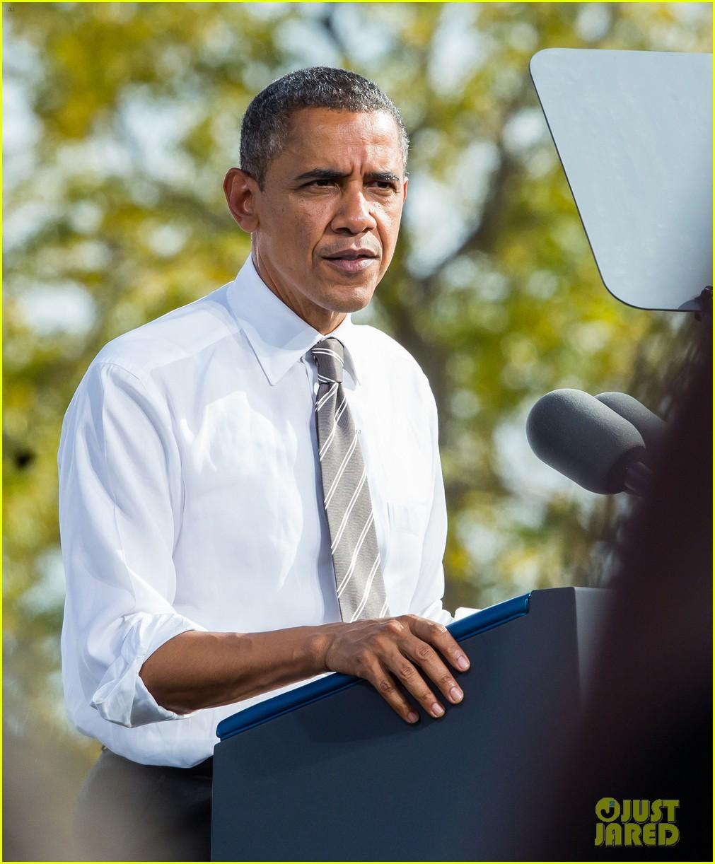 eva longoria michelle obama campaign for barack obama 252750199