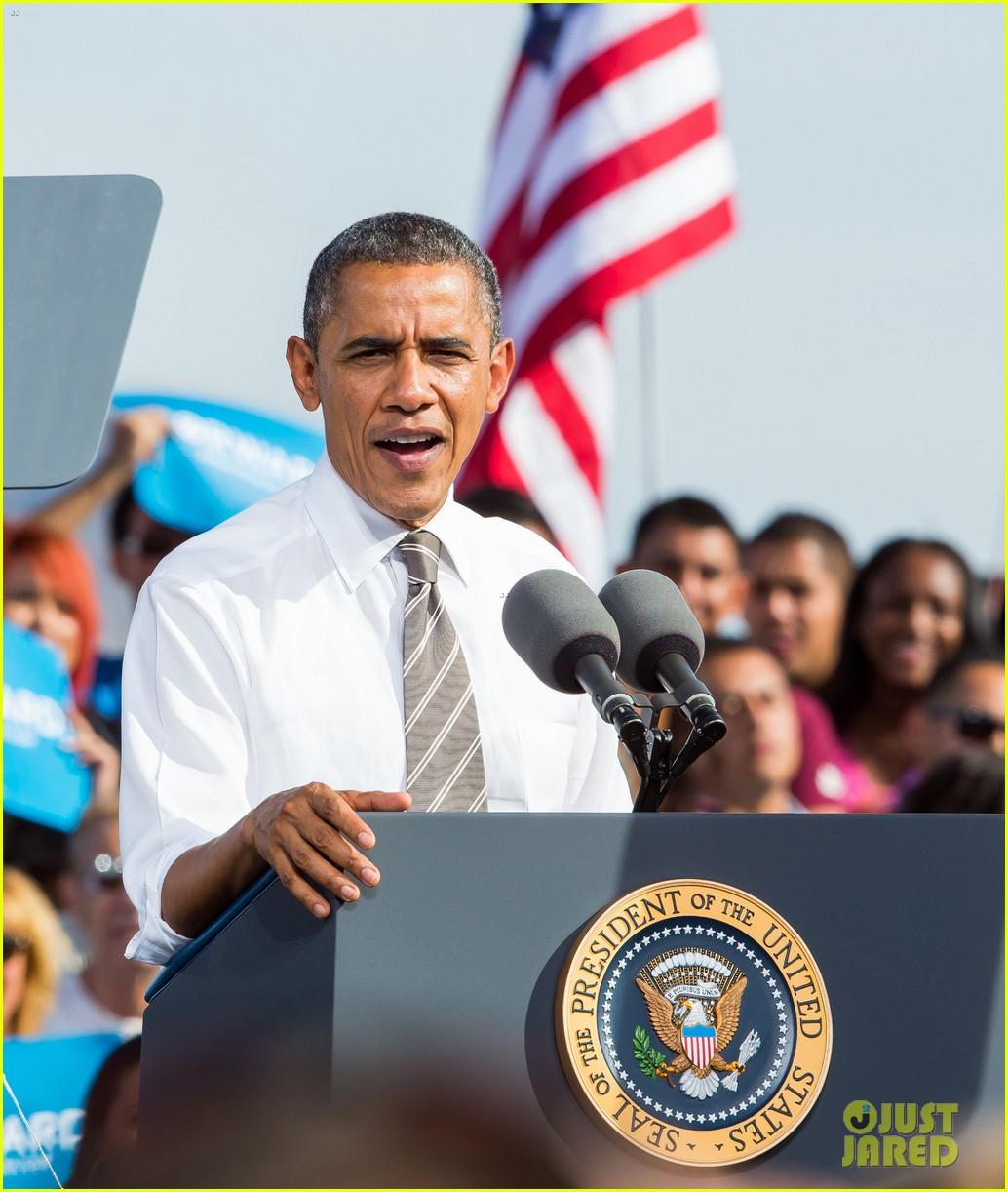 eva longoria michelle obama campaign for barack obama 262750200