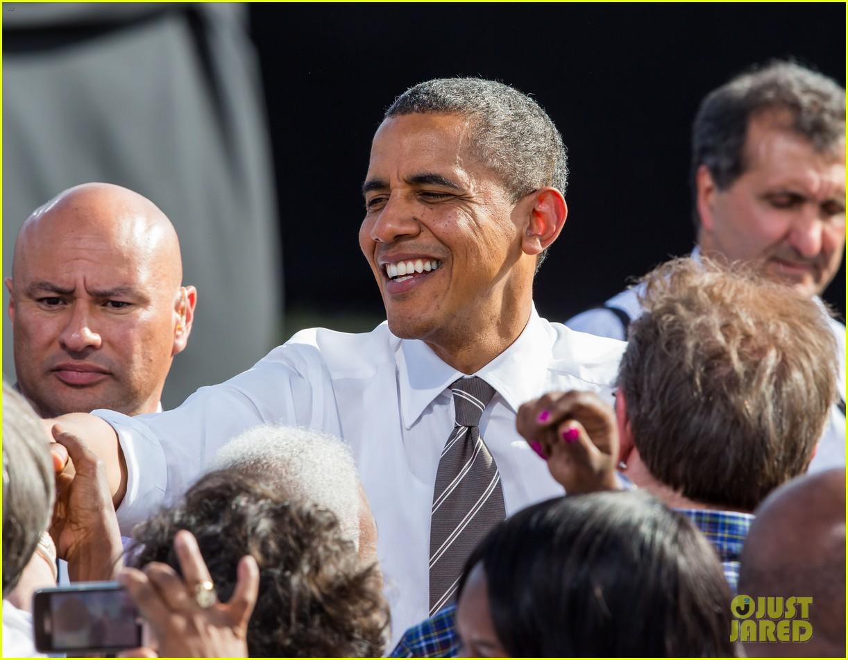 eva longoria michelle obama campaign for barack obama 272750201
