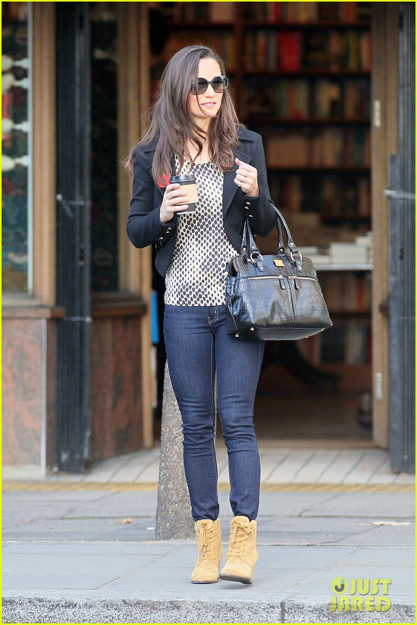 pippa middleton surprise charity shopper with duchess kate 132754201