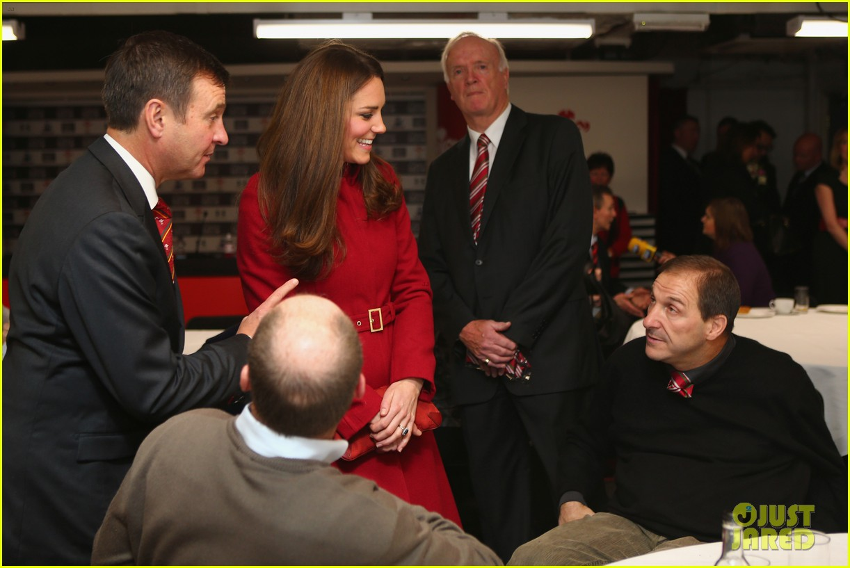 kate middleton prince william rugby match in wales 062763338