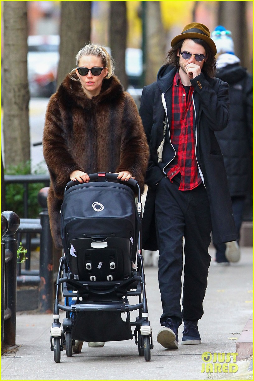 sienna miller tom sturridge sunday stroll with baby marlowe 01