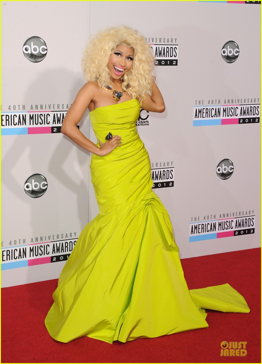 nicki minaj wins favorite rap hip hop album at amas 122760281