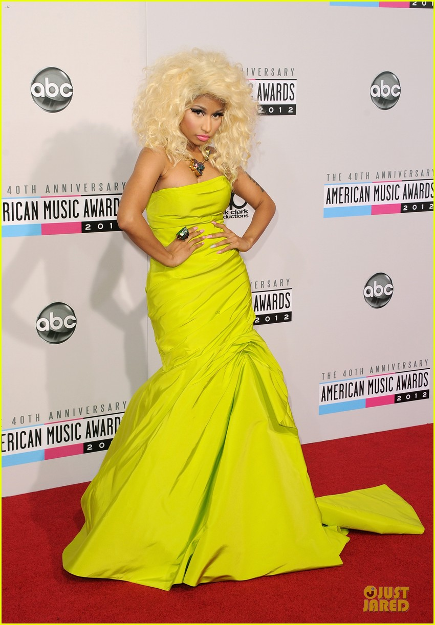 nicki minaj wins favorite rap hip hop album at amas 132760282