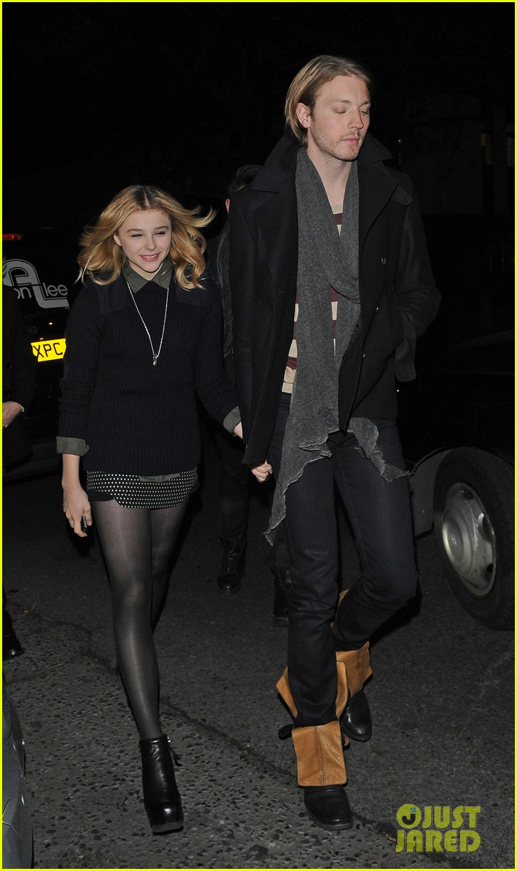 chloe moretz rihanna 777 tour concertgoer in london 032761355