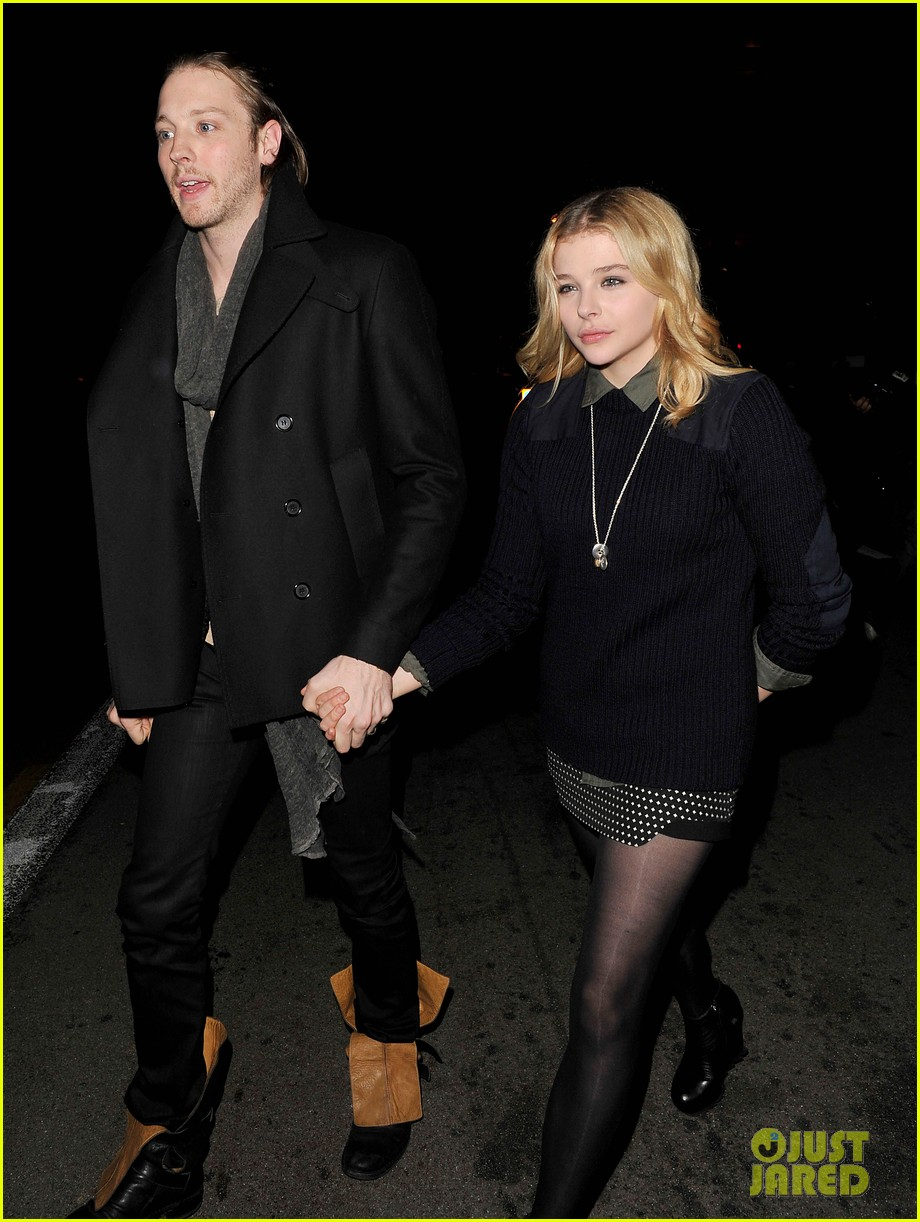 chloe moretz rihanna 777 tour concertgoer in london 072761359