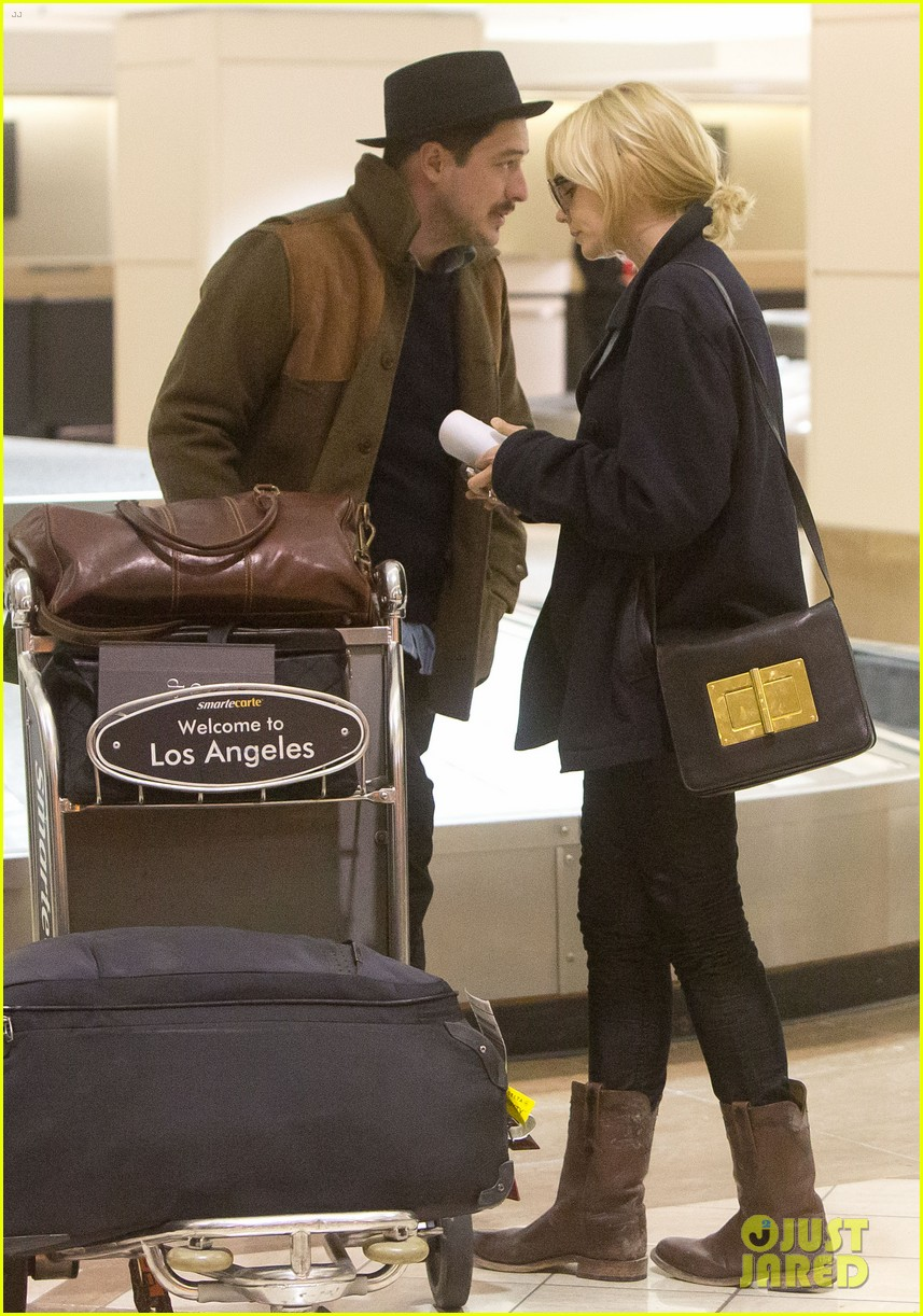 carey mulligan marcus mumford land in los angeles 01