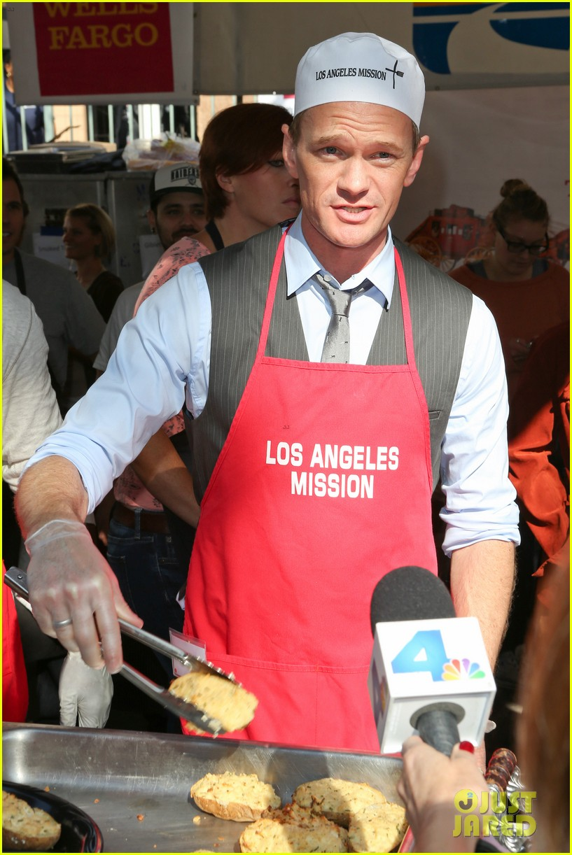 matt bomer neil patrick harris thanksgiving mission help 012762197