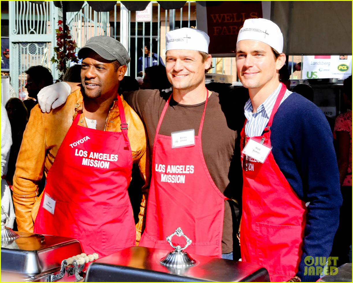 matt bomer neil patrick harris thanksgiving mission help 082762204