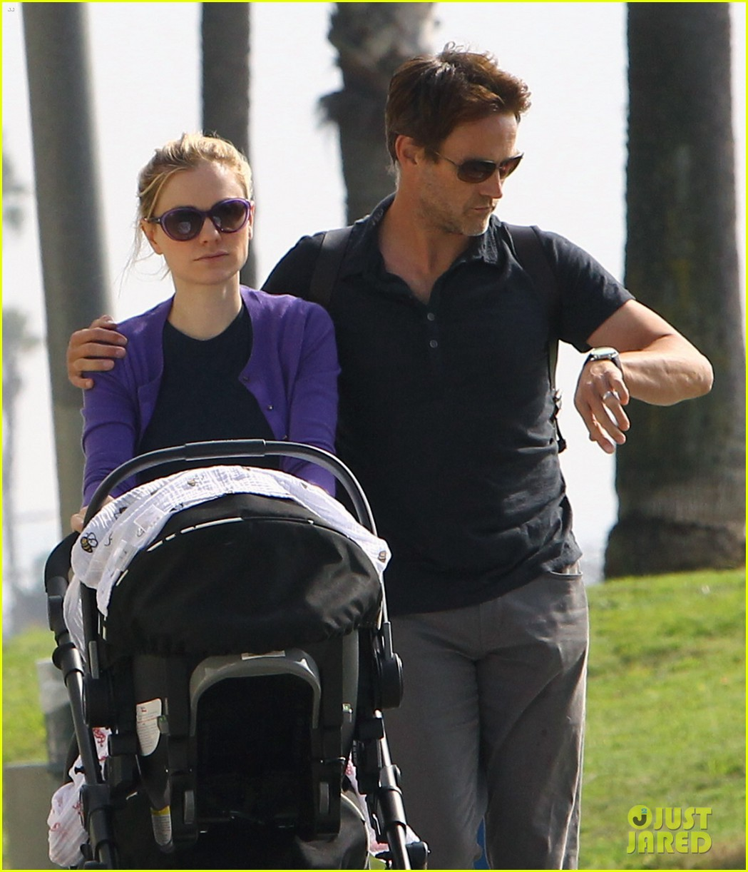 anna paquin stephen moyer park stroll with the twins 022752788