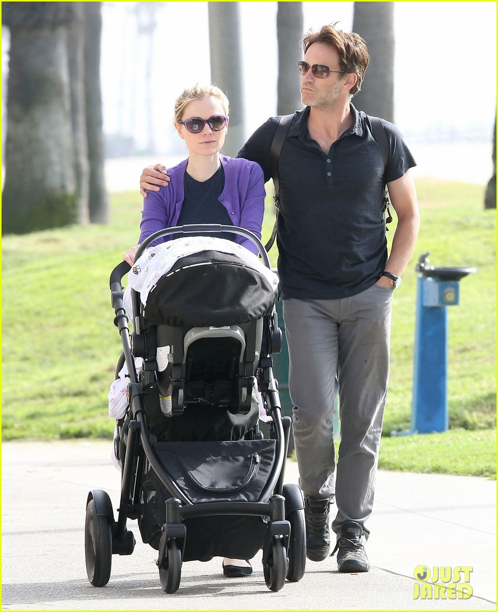 anna paquin stephen moyer park stroll with the twins 032752789
