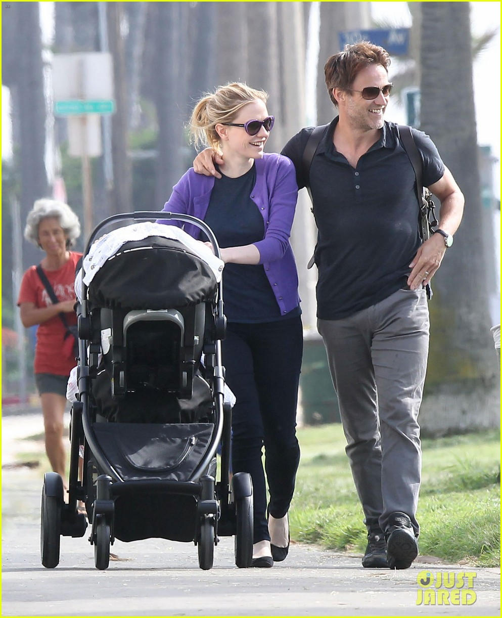 anna paquin stephen moyer park stroll with the twins 042752790