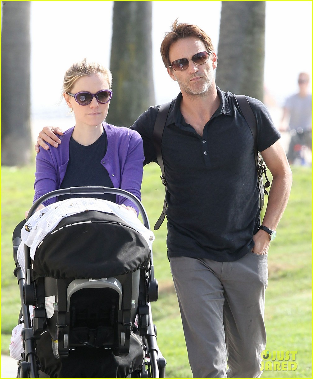 anna paquin stephen moyer park stroll with the twins 052752791