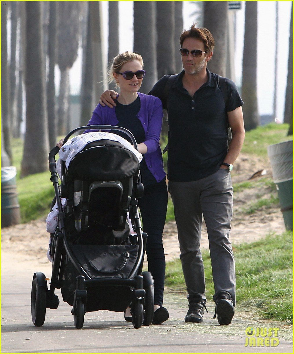 anna paquin stephen moyer park stroll with the twins 072752793