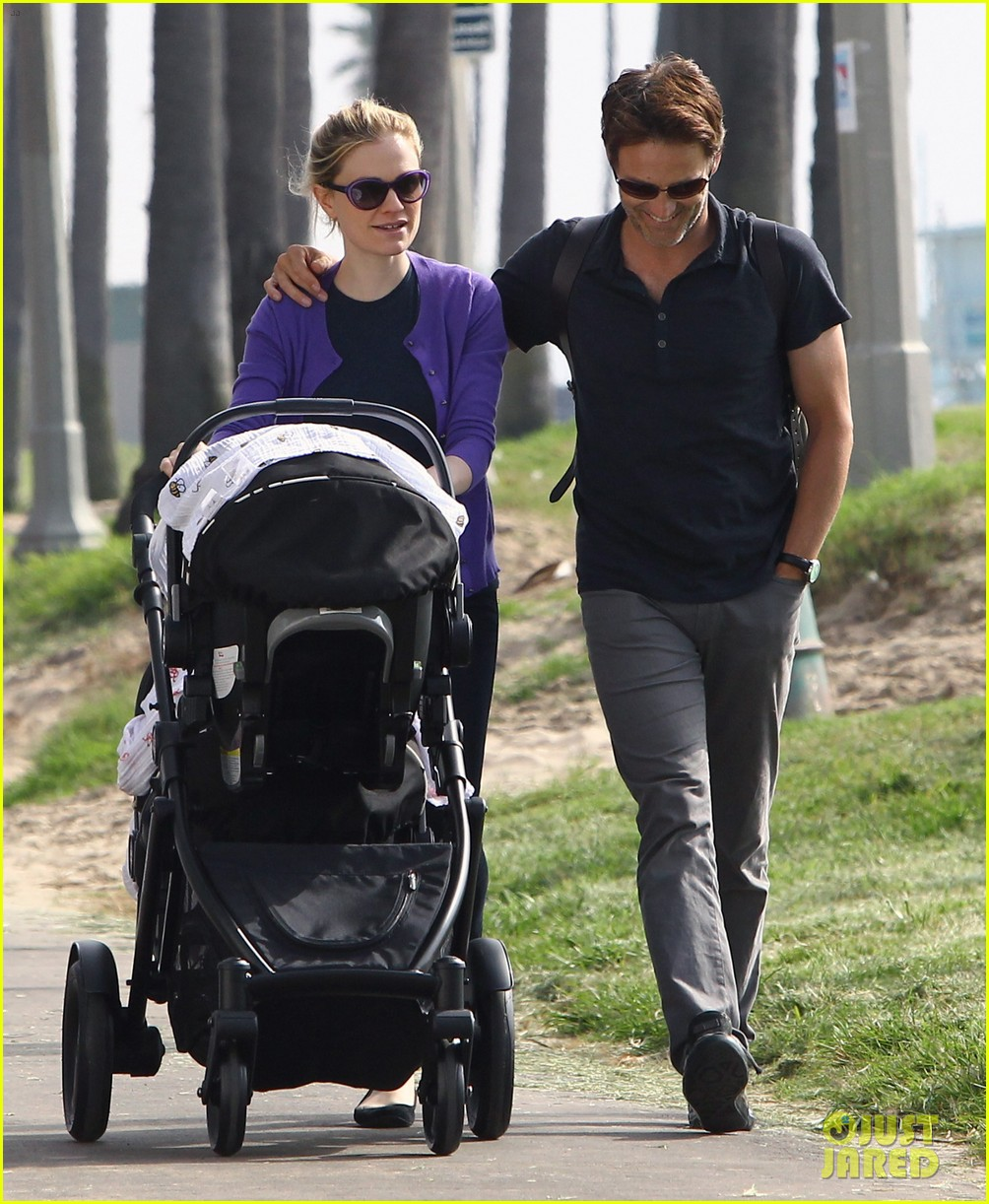 anna paquin stephen moyer park stroll with the twins 092752795