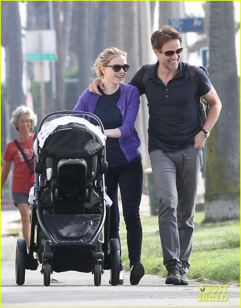 anna paquin stephen moyer park stroll with the twins 112752797