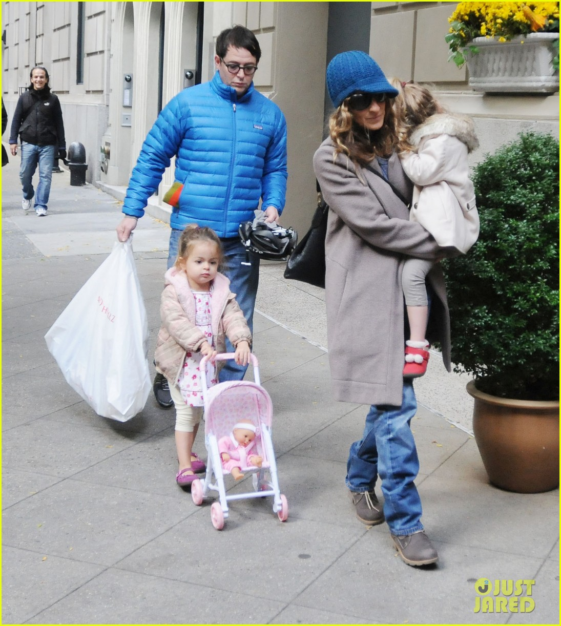 sarah jessica parker matthew broderick lunch with twins 052750847