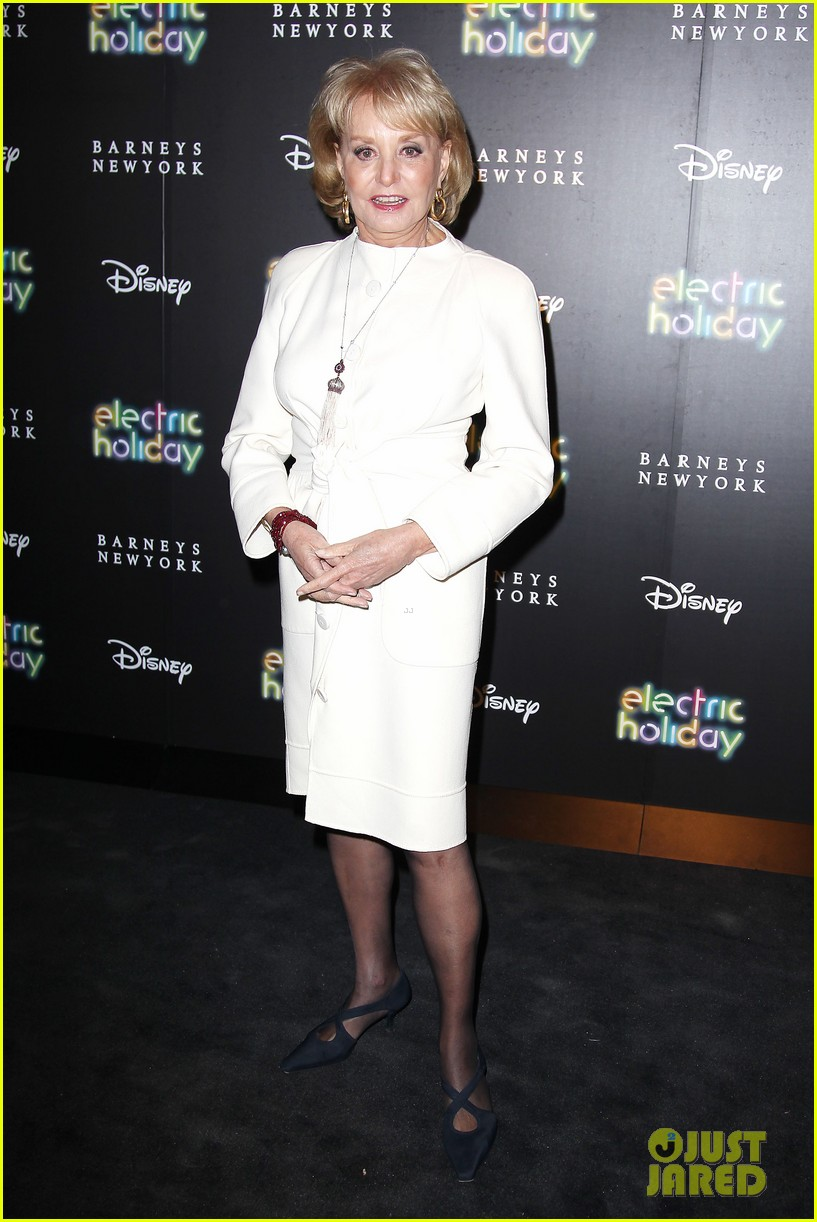 sarah jessica parker disney electric holiday window unveiling host 162758077