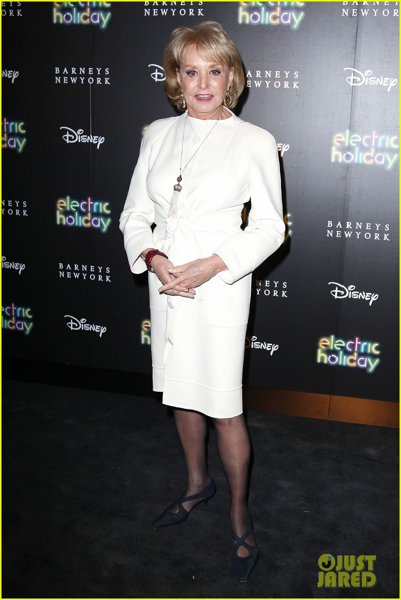 sarah jessica parker disney electric holiday window unveiling host 172758078
