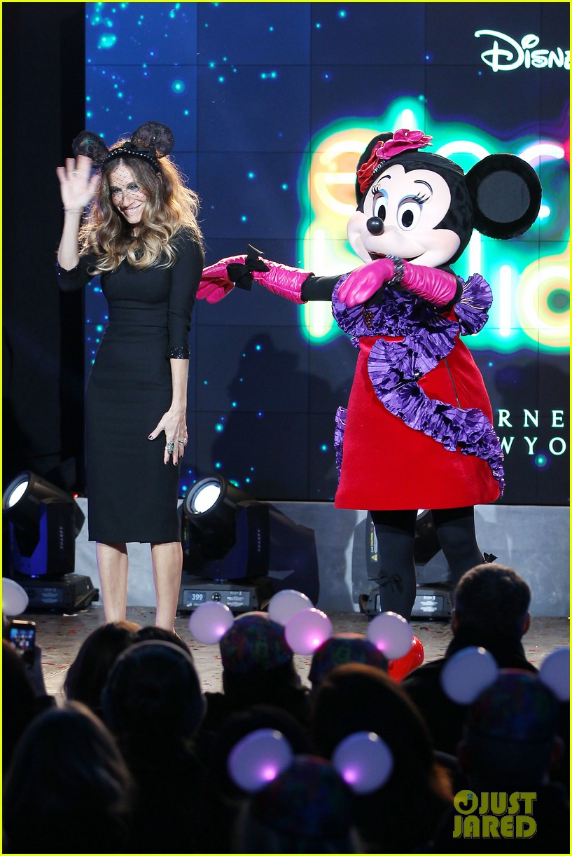 sarah jessica parker disney electric holiday window unveiling host 252758086